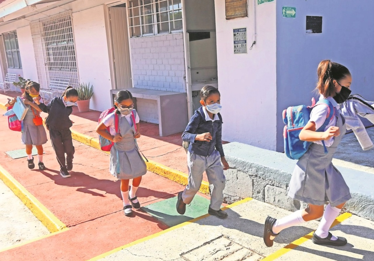 El regreso a clases en Nayarit deberá evitarse, no hay inmunidad en niños; revela experto