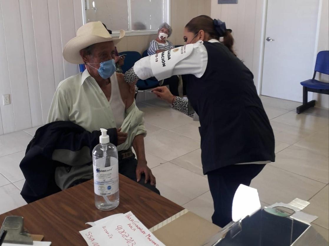 Anuncian vacunación contra covid-19, para personas de 18 a 29 en Tecuala y Tuxpan